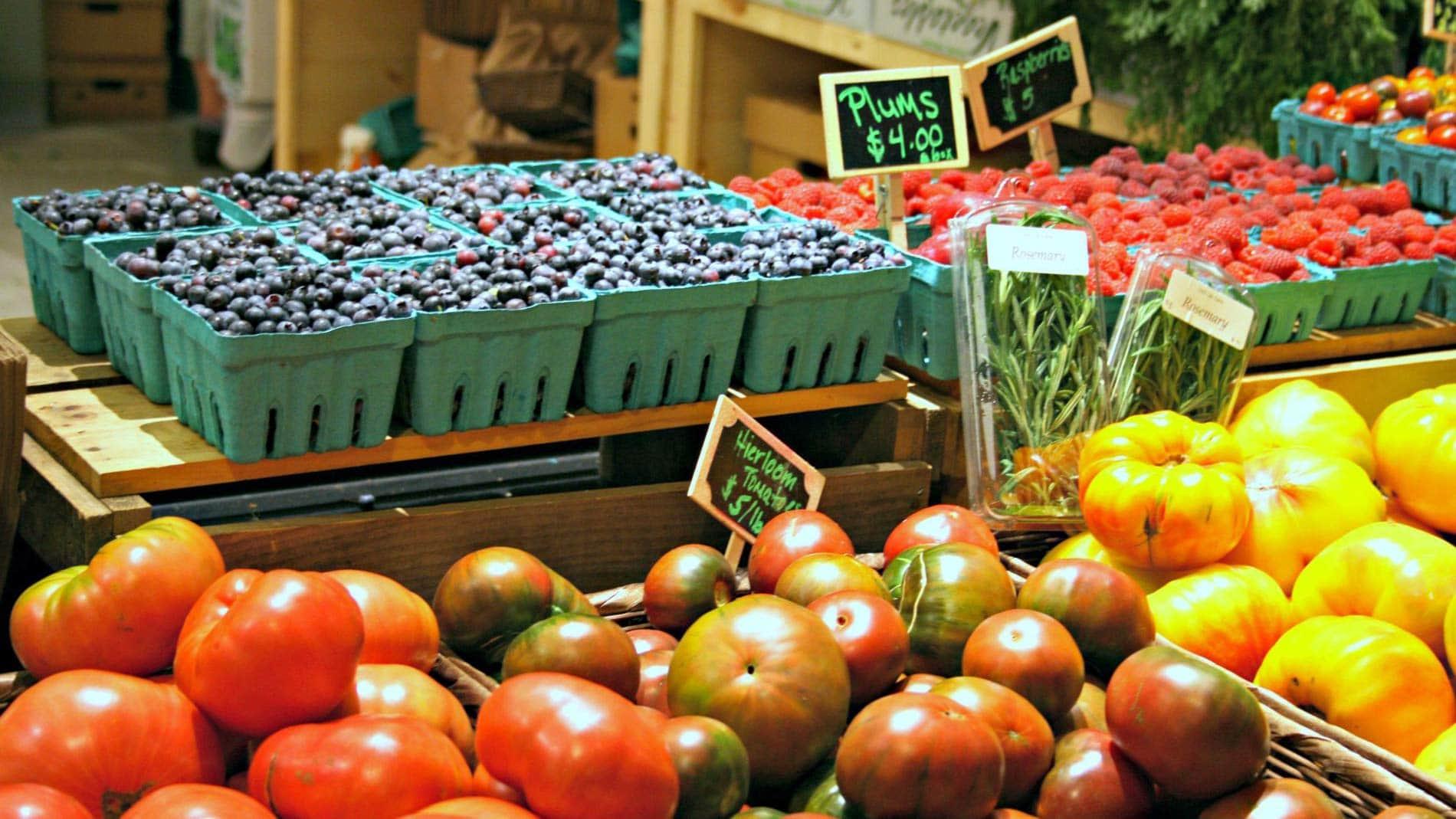 Fabulous Fall Farmers Markets - Lenox Hotel